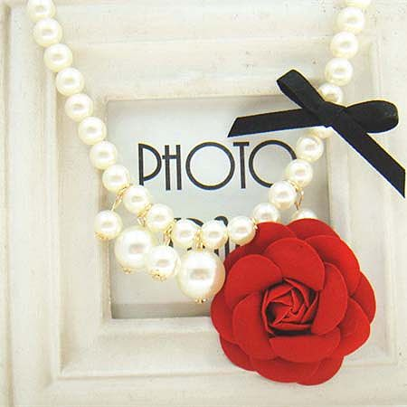 Girls Flower Decorated Pearl Necklace