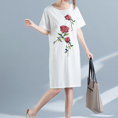 Embroidered Rose Round Collar Dress