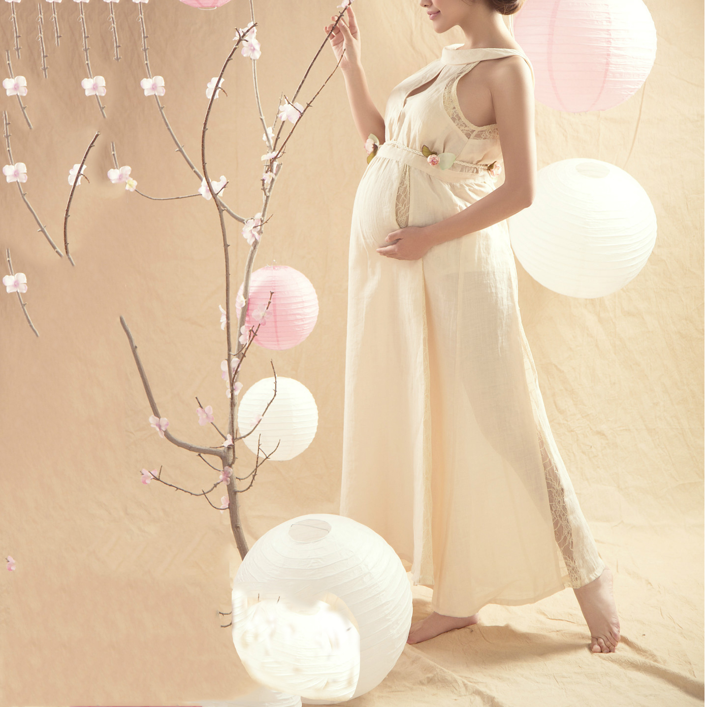 Maternity Graceful Sleeveless Maxi Dress